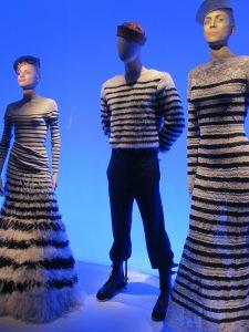 Mannequins robe marinière