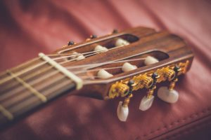 Tète de guitare acoustique