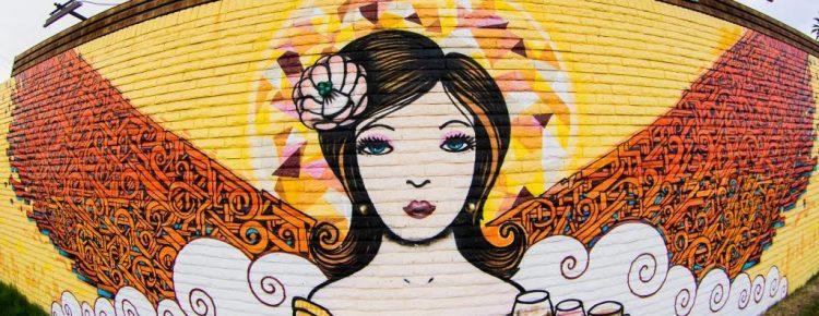 Serveuse street art | Creative France