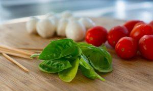 Basilique tomate mozzarella